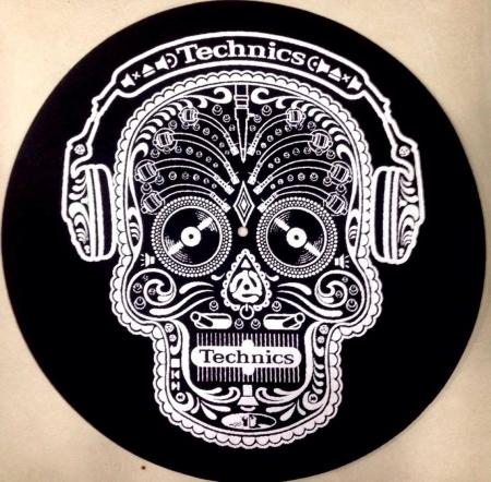 Technics Skull n Phones Slipmats ( Fundo preto )