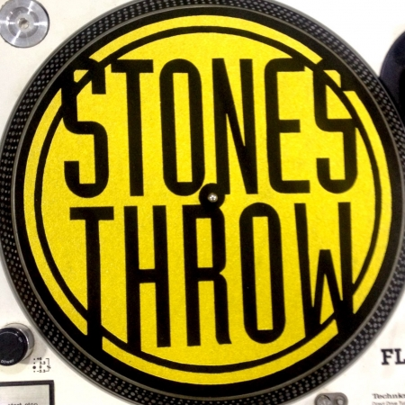 Feltro Stones Throw