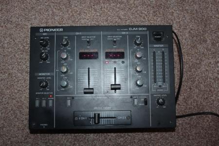 Mixer Pioneer DJM 300 (Produto Semi-Novo) *Excelente Estado