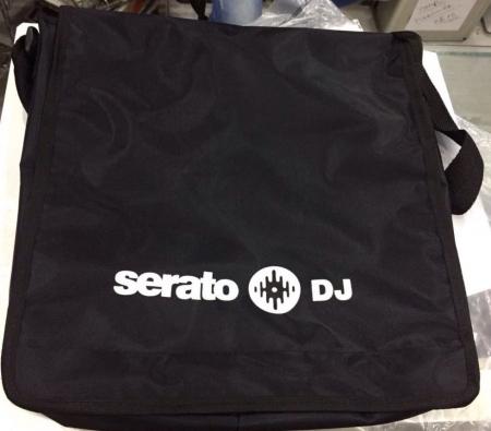 Bag Serato Dj Para 15 Discos (Preta Estampa Branca)