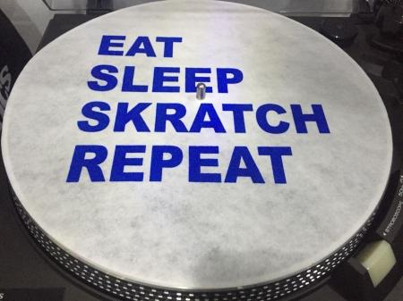 Feltro Eat Sleep Skratch Repeat Letras Azul Espessura Fina UNIDADE