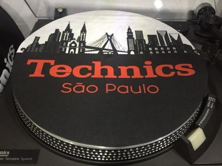Feltro Technics São Paulo Preto e Vermelho Espessura Fina UNIDADE
