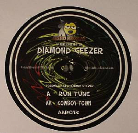Diamond Geezer ?– Run Tune / Cowboy Town