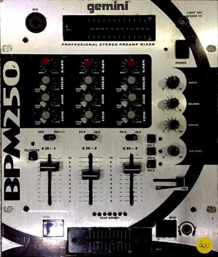Mixer Gemini BPM 250 (Produto Usado)