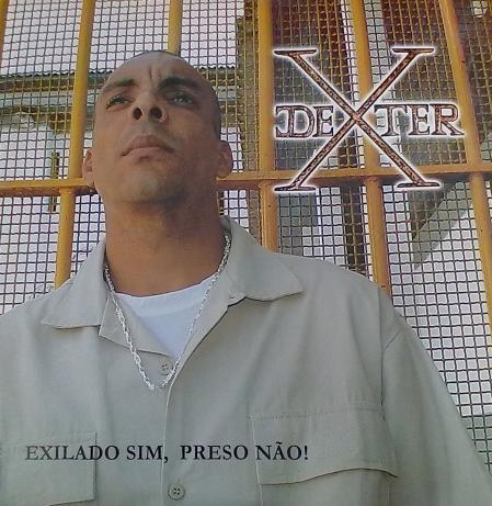 Dexter - Exilado Sim, Preso Não