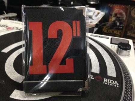 Carteira Personalizada de bolso 12' Single (Preta Estampa Vermelha)