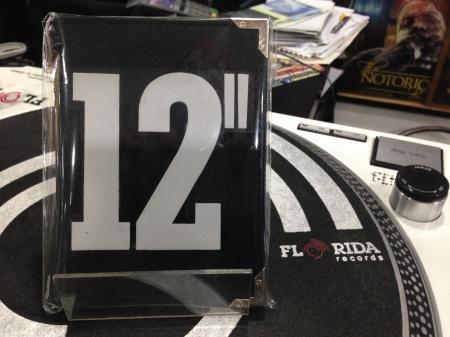 Carteira Personalizada de bolso 12' Single (Preta Estampa Branca)